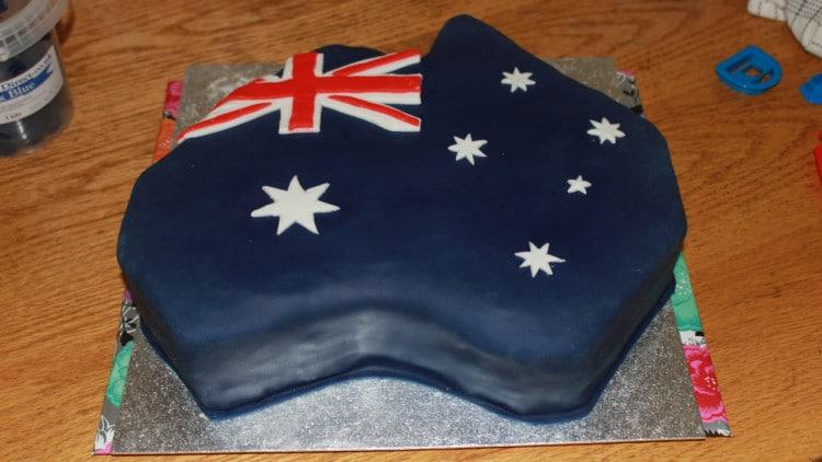 Australia Shaped Flag Cake - Fondant Cakes | happyfoodstube.com