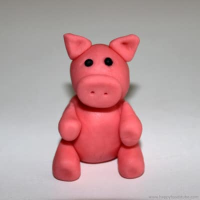 How to make a Sugar Paste Fondant Pig Cake Topper