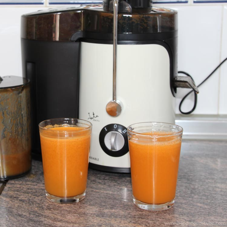 Healthy Carrot & Orange Juice Recipe | happyfoodstube.com