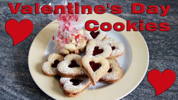 How to make Heart Shaped Delicious Cookies | happyfoodstube.com