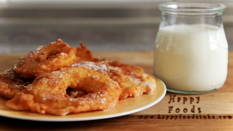 Fried Battered Apple Rings | happyfoodstube.com