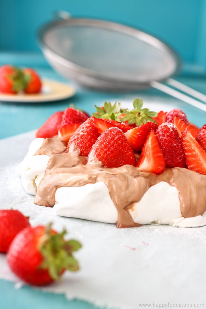 Hazelnut Pavlova Cake with Strawberries Picture