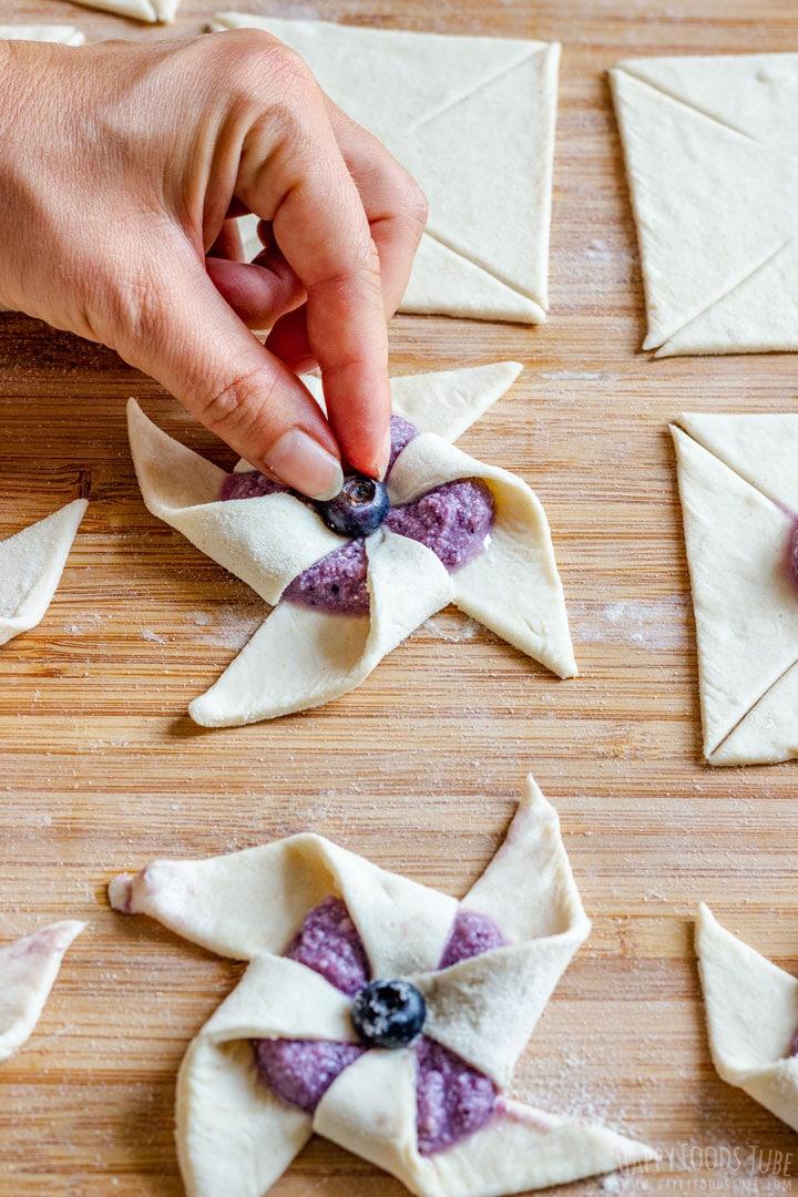 How to make Blueberry Danish Pinwheels Step 2