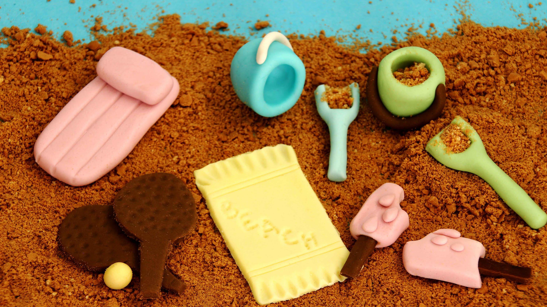 Beach Themed Fondant Cupcake/Cake Decorations - Happy ...