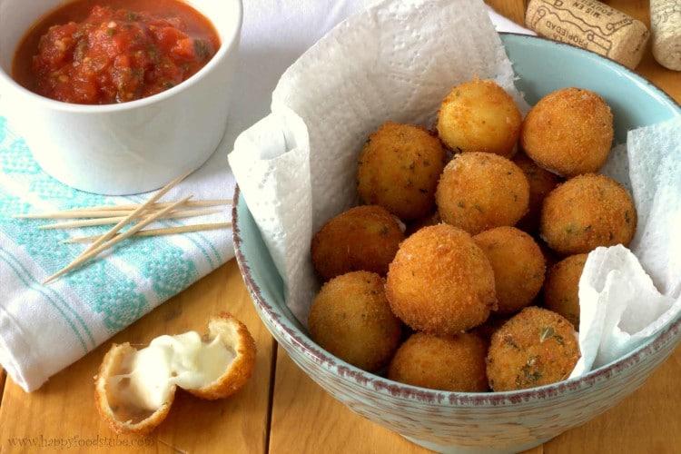 Fried Mozzarella Balls with Homemade Tomato Sauce - HappyFoods Tube