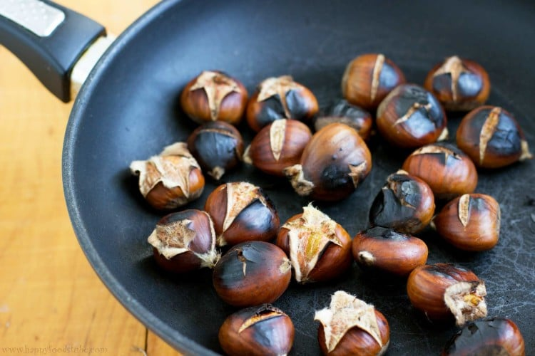 Roasted Chestnuts on the Pan | happyfoodstube.com
