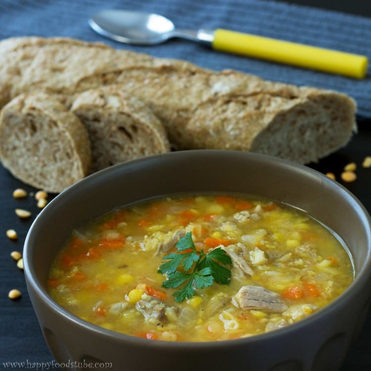 Split Pea Soup With Pork Ribs - Hearty, thick and most of all delicious soup recipe! Serve with a slice of buttered toast or any bread of your choice. If you like stronger flavours, use smoked ribs. Meaty soups. | happyfoodstube.com