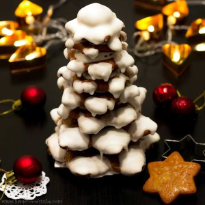 Gingerbread Christmas Tree Tutorial | happyfoodstube.com