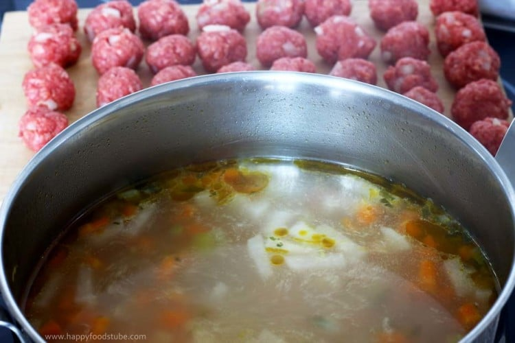 Meatball Soup Cooking | happyfoodstube.com
