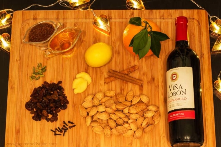 Mulled Wine Gluhwein Glogg Ingredients | happyfoodstube.com
