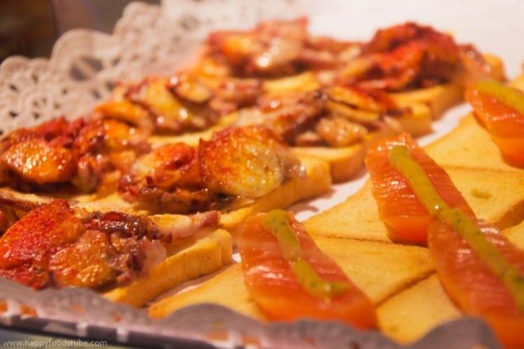 Christmas Markets Food Experience Tapas 2   happyfoodstube.com