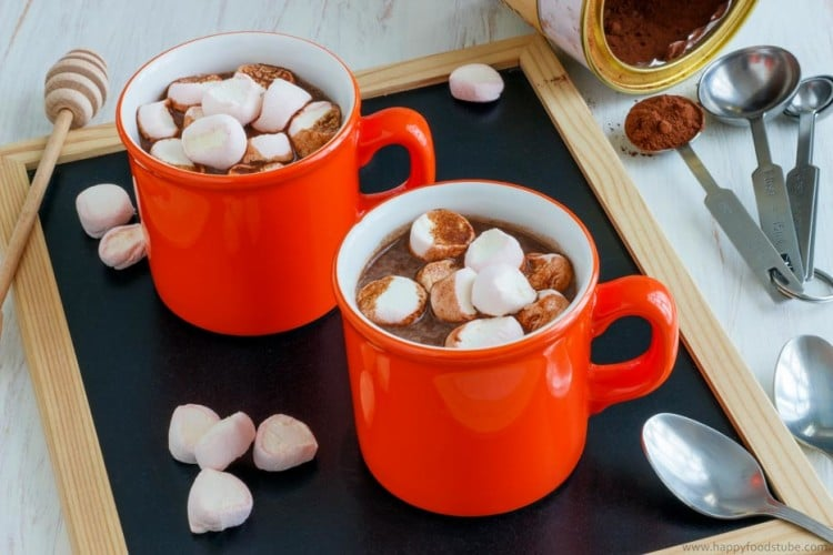 Hot Chocolate Spiked with Rum Two MugsHot Chocolate Spiked with Rum | happyfoodstube.com