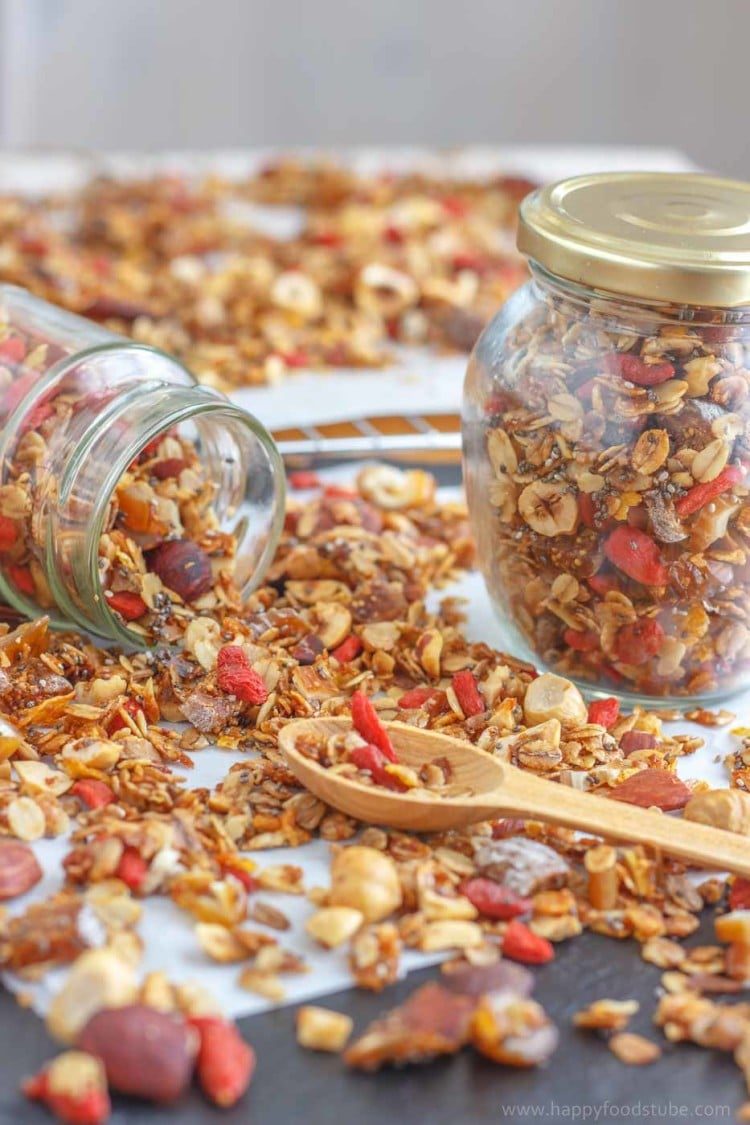 Super healthy homemade granola recipe happy foods tube super healthy homemade granola make your own version of this super healthy breakfast option forumfinder Choice Image