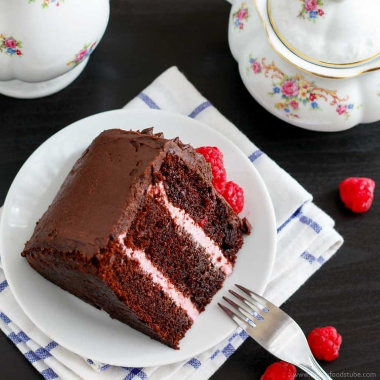 Red-Wine-Chocolate-Raspberry-Cake