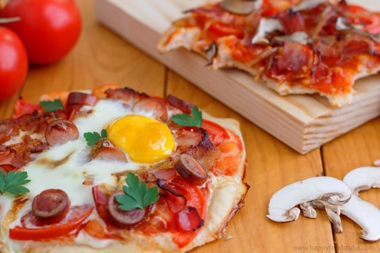 Homemade Mini Breakfast Pizza