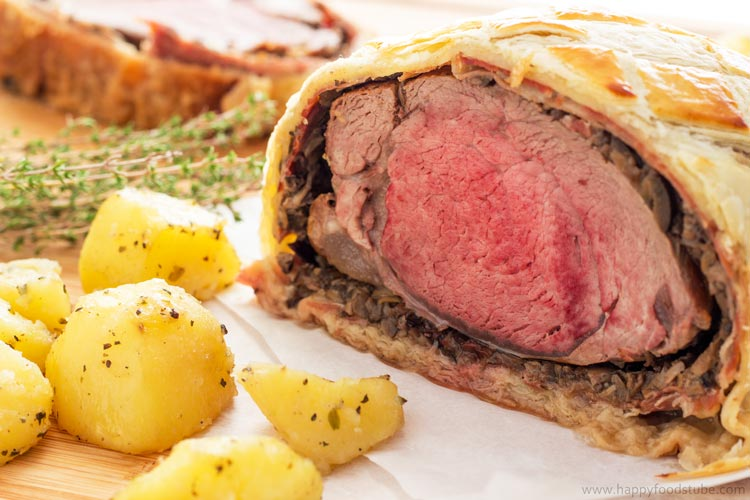 Easy Beef Wellington with Mushroom & Jamón - Fine Dining, Classical British Food, Home Cooking, Best Beef Wellington, Recipe   happyfoodstube.com