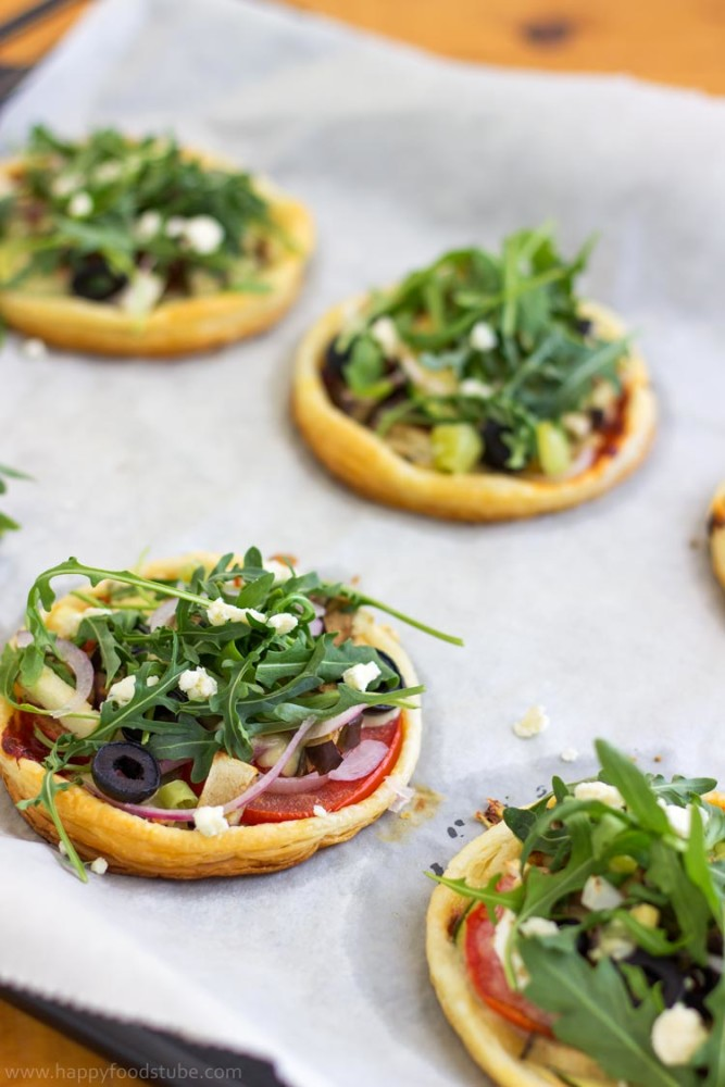 Mini Vegetarian Puff Pastry Pizza Tray - Quick and easy recipe, not a traditional pizza, healthy toppings, mouth-watering snack, party food | happyfoodstube.com