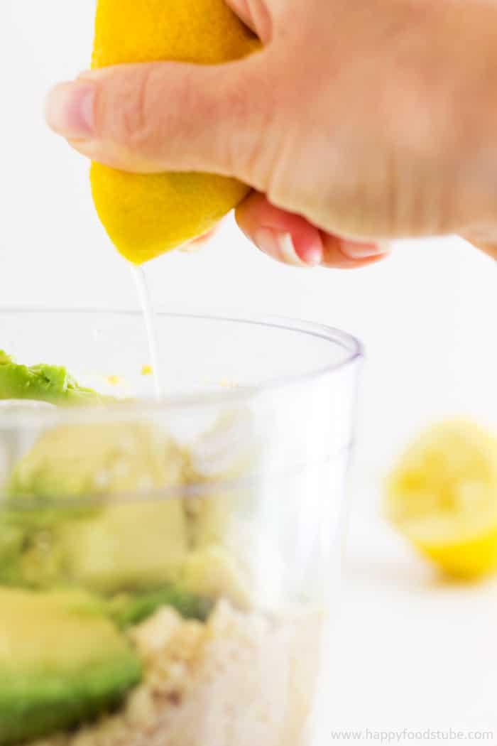 Super Healthy Creamy Avocado Hummus Lemon   happyfoodstube.com