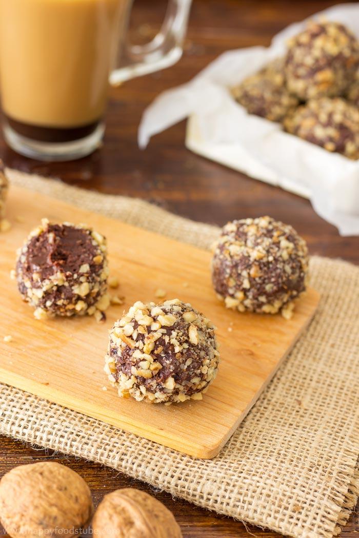 20 walnut dark chocolate truffles these walnut dark chocolate truffles ...