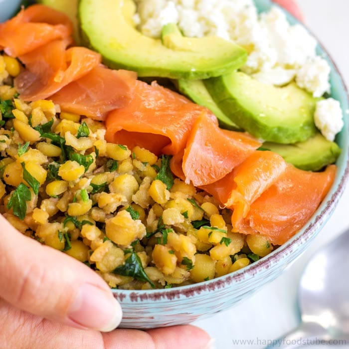Butter Roasted Split Pea Power Bowl - Packed with protein, good fats and vitamins not only fills you up but gives you the much needed energy boost and provides essential nutrients. Easy recipe! You only need a split peas, avocado, feta cheese & smoked salmon. | happyfoodstube.com