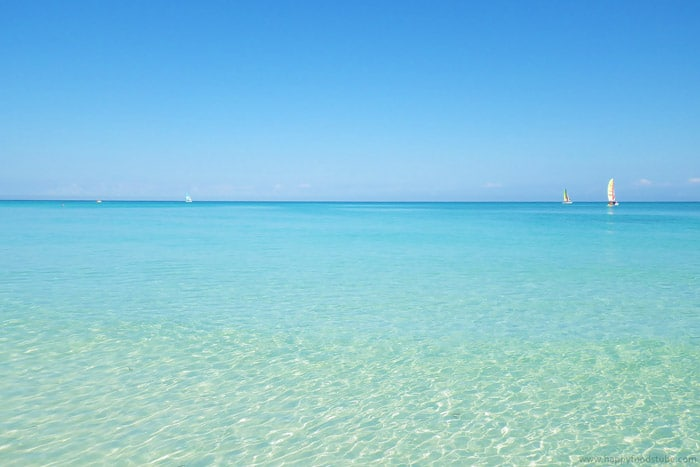 Cuba Varadero Calm Caribbean Sea | happyfoodstube.com