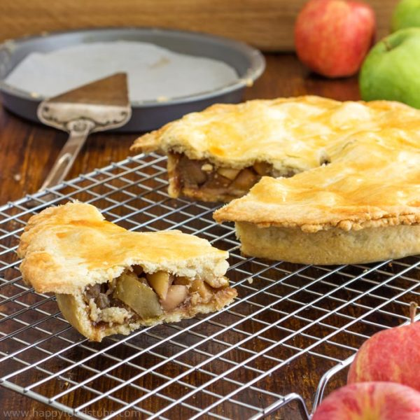 Easy Homemade Apple Pie (Video)