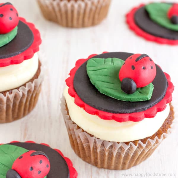 Easy Ladybug Cupcake Toppers