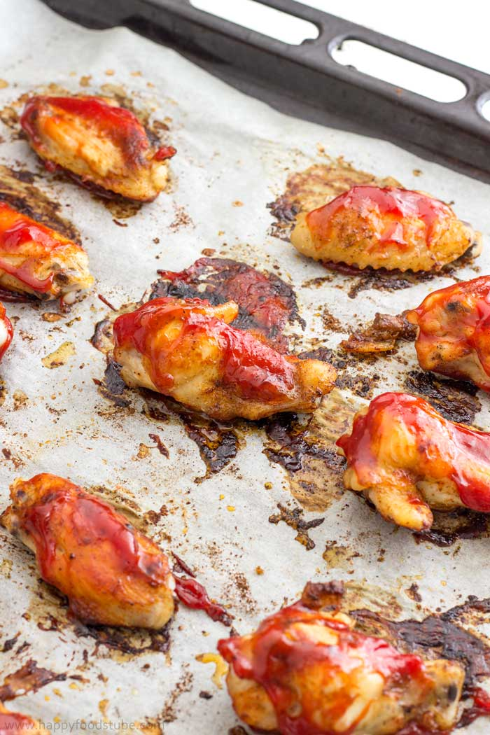Easy Oven Baked Sweet and Spicy Sticky Chicken Wings Step by Step 4 | happyfoodstube.com