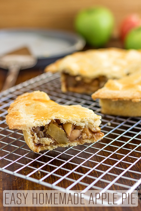 Easy homemade apple pie recipe with shortcrust pastry is as delicious as it sounds. Made from scratch including the pastry crust and simple apple pie filling. Only 4 ingredients and super easy to bake. #happyfoodstube #homemade #applepie #recipe #baking #shortcrust #pastry #dessert