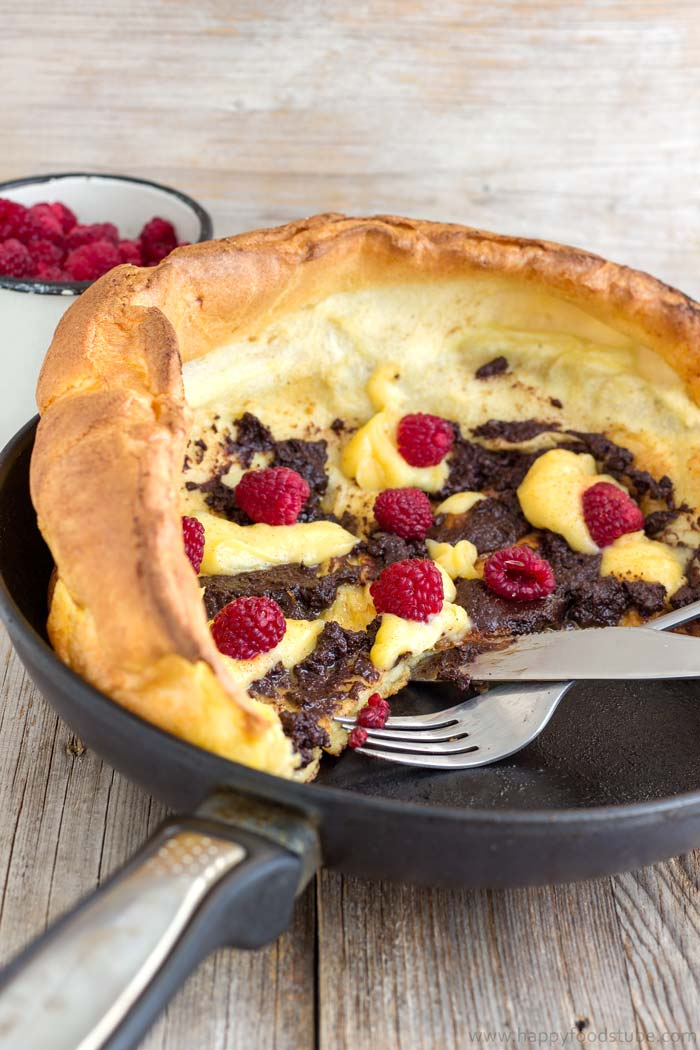 German Pancakes (Dutch Baby Pancakes) recipe | happyfoodstube.com