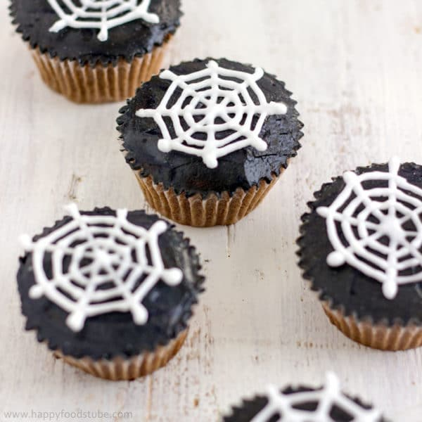 Halloween Spider Web Cupcake Toppers {Video Tutorial}