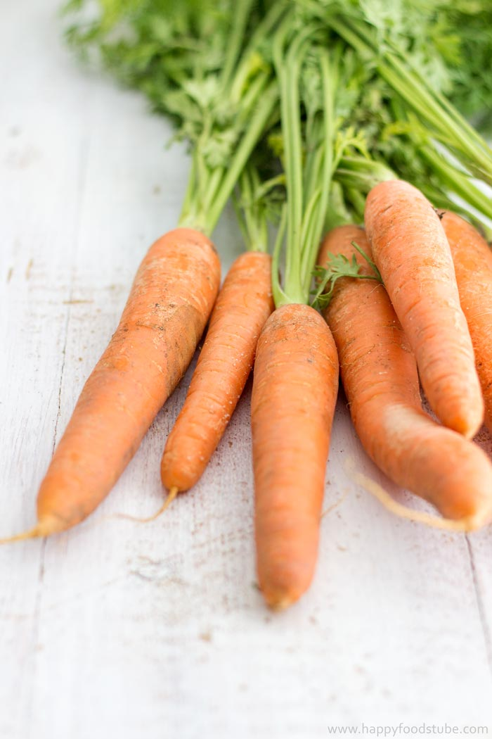 Fresh Carrots Closeup - Healthy Carrot Soup | happyfoodstube.com