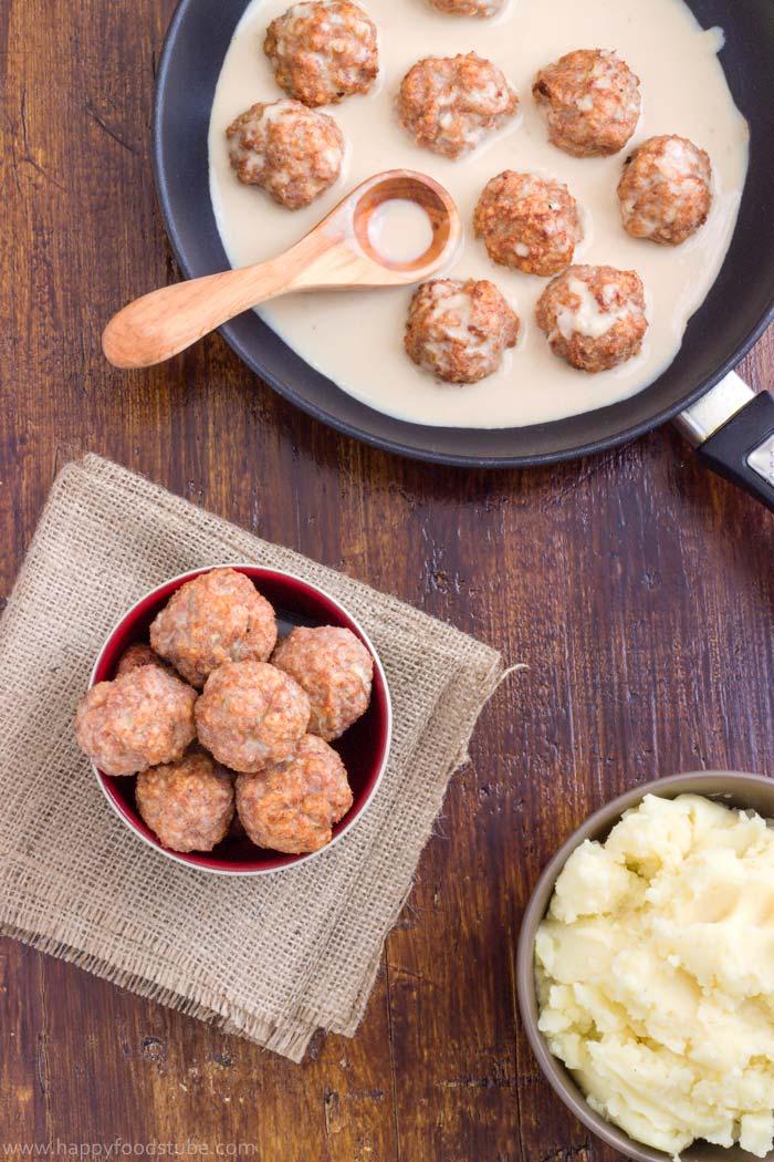 How to make Oven Baked Swedish Meatballs. IKEA Recipe. | happyfoodstube.com