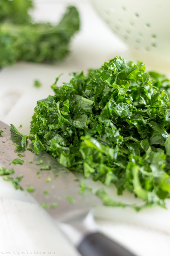 Kale Salad Ingredients - Fresh Kale | happyfoodstube.com