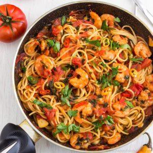 Spicy Shrimp Spaghetti Recipe | happyfoodstube.com