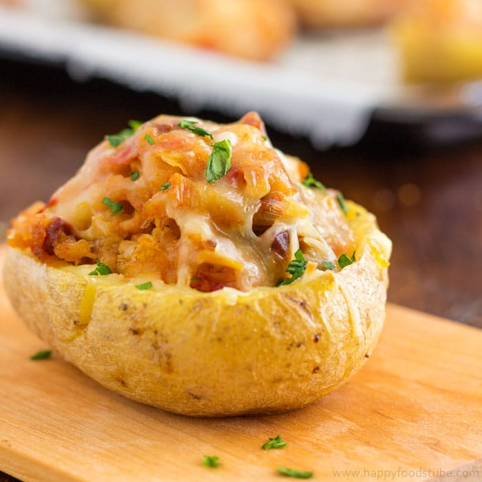 Twice baked potatoes with chorizo and cheddar | happyfoodstube.com