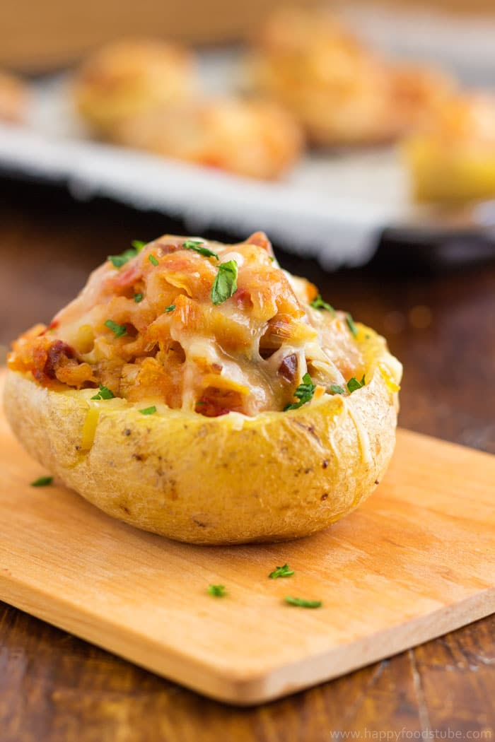 Twice baked potatoes with chorizo and cheddar video happyfoods tube twice baked potatoes with chorizo and cheddar super easy recipe full of flavors happyfoodstube forumfinder Choice Image
