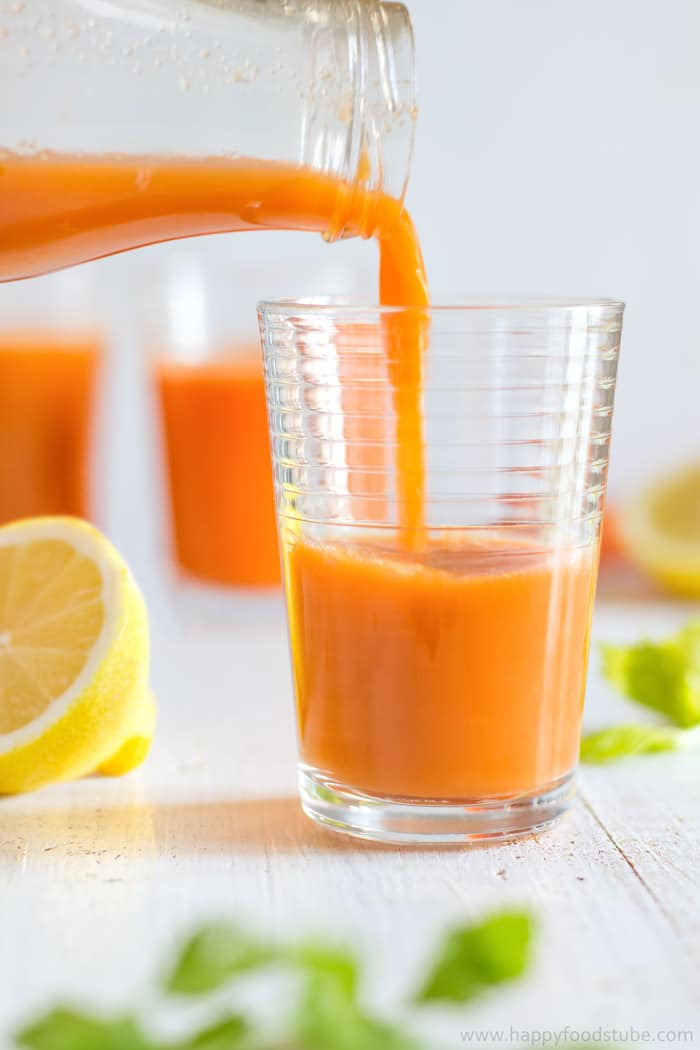 Winter Vitamin Boosting Juice Recipe. Rich in Vitamin C and ready in 5 minutes! | happyfoodstube.com