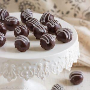 2 ingredient Dark Chocolate Truffles   happyfoodstube.com