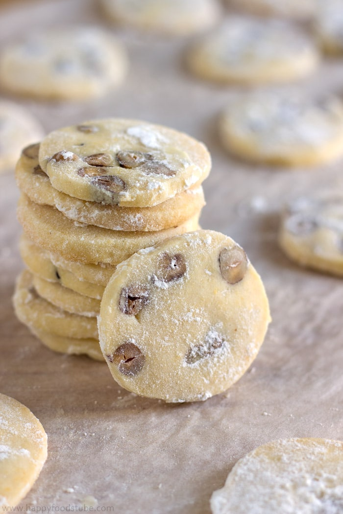 Homemade Butter Cookies with Hazelnuts | happyfoodstube.com