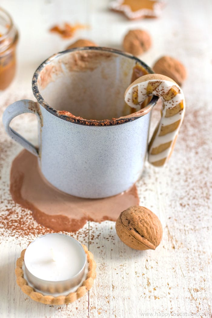Homemade Creamy Dulce de Leche Hot Chocolate Recipe | happyfoodstube.com