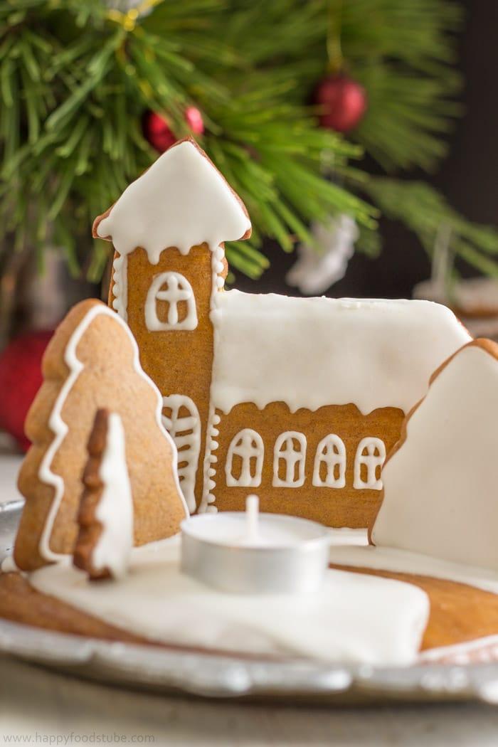 DIY Gingerbread Christmas Candle Holder   happyfoodstube.com
