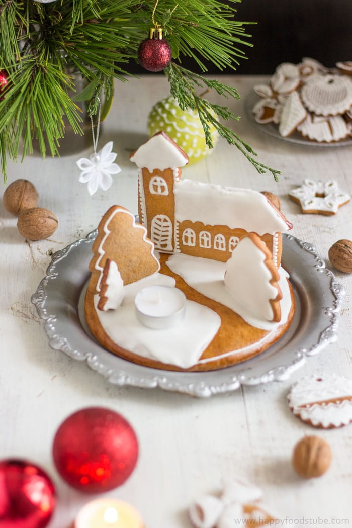 Handmade Gingerbread Christmas Candle Holder | happyfoodstube.com