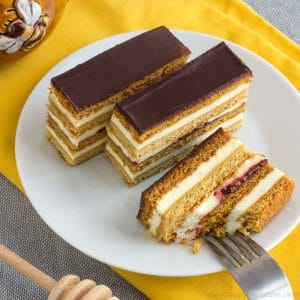 Honey Cake Slices - Slovakian Petit Fours | happyfoodstube.com