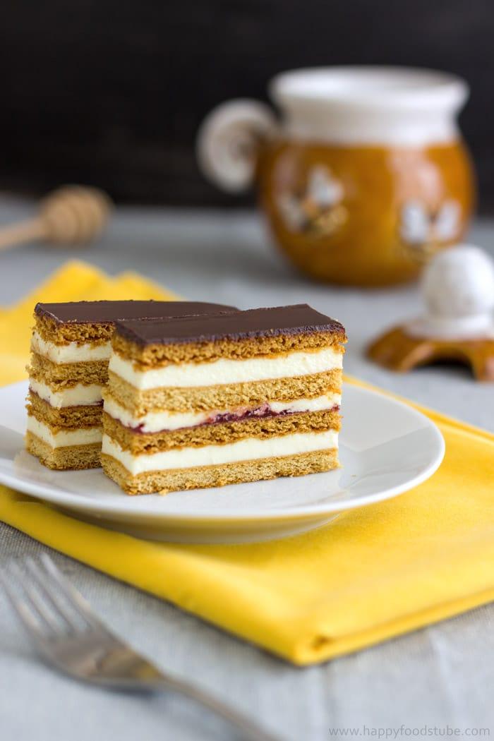 Honey Cake Slices - Slovakian Petit Fours. Delicious homemade dessert from family favorite recipe | happyfoodstube.com
