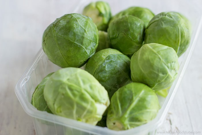 Fresh Brussels Sprouts | happyfoodstube.com