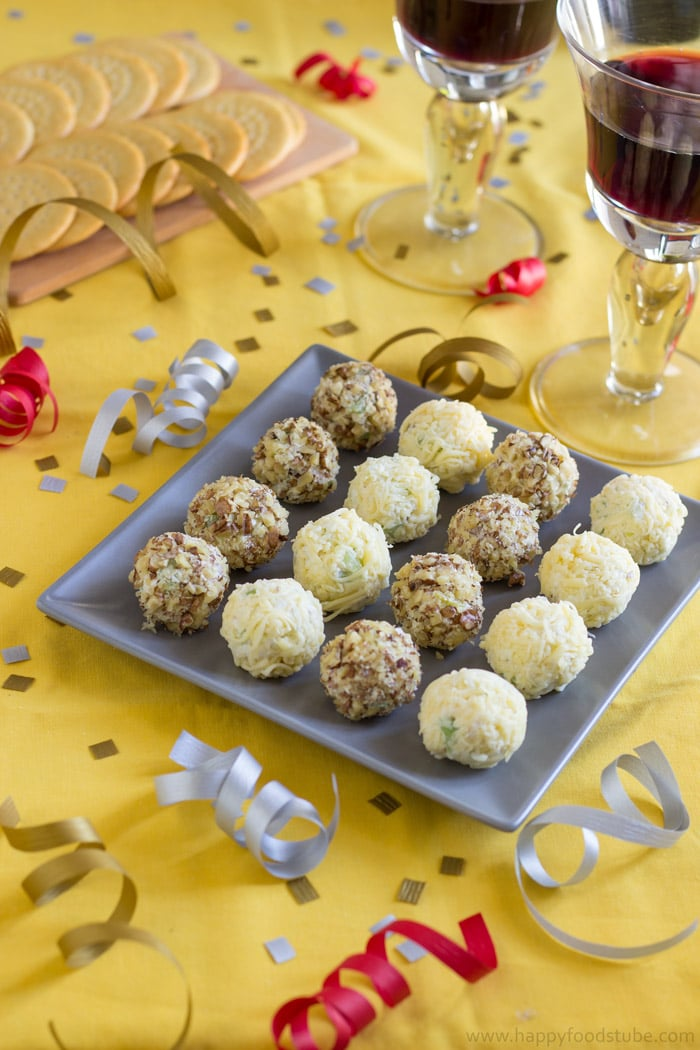Waldorf Cheese Ball Bites. Easy Party Food Recipe. Only 5 Ingredients, Ready in 25 minutes.   happyfoodstube.com