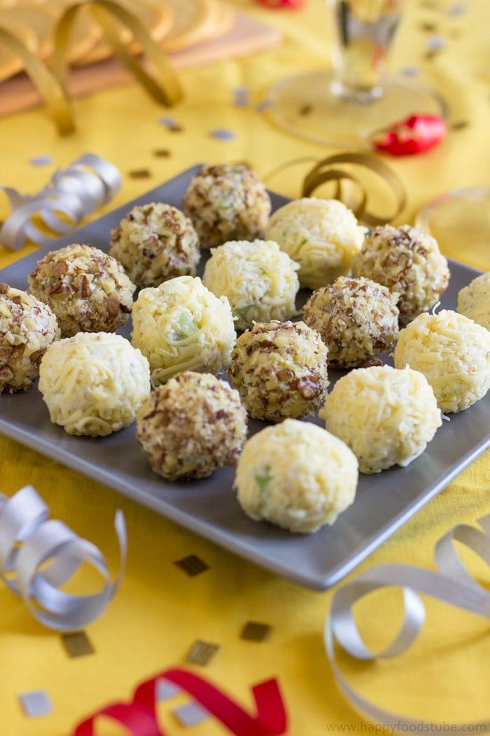 Waldorf Cheese Ball Bites. Easy Party Food Recipe.   happyfoodstube.com