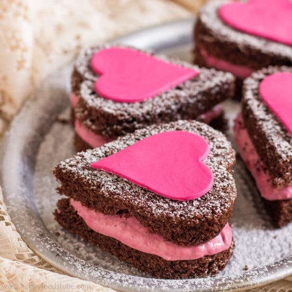Mini Naked Chocolate Cake Hearts