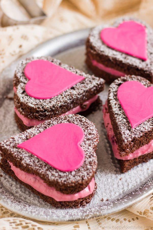 Mini-Naked-Chocolate-Cake-Hearts